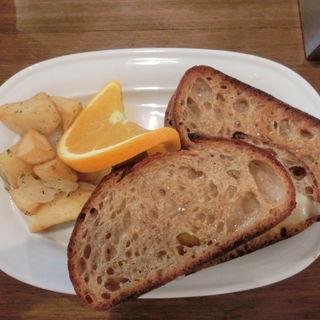 グリルドチーズサンドイッチ(クロスロードベーカリー)