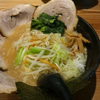背脂チャーシューメン + 野菜(麺屋 義國 )