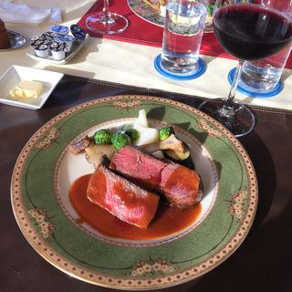 デジュネB メイン料理を魚肉と両方お召し上がり頂けます(トルテュ (Tortue))
