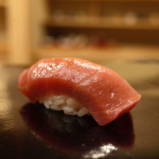 中トロの握り(日本橋蛎殻町すぎた)