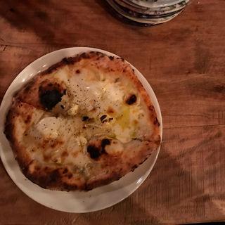 4種チーズピザ(ホラアナ (HORAANA))
