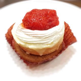 ストロベリー&クッキーチーズケーキ(スターバックス KITTE博多店)