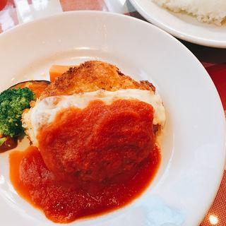 ③若鶏の衣焼き モッツァレラチーズ ハム詰め(トラットリア・オゼール )