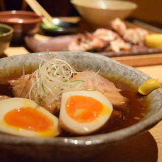 じっくり煮込んだ豚の角煮  半熟卵添え(ごはんや一芯 代官山 )