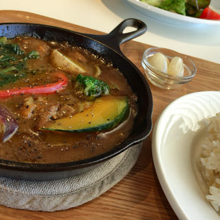 ゴロゴロ野菜と豚肉の鉄板カレー(ラルゴ珈琲 (LARGO COFFEE))