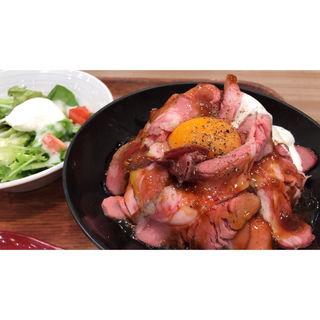ローストビーフ丼(ローストビーフ星 イオンモール名古屋茶屋店 (イオンモールナゴヤチャヤテン))