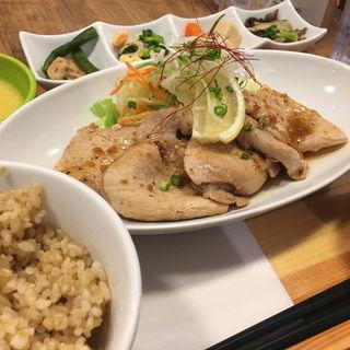 豚肉生姜焼き定食(サクラ食堂 ルミネエスト店 (Sakura))