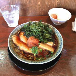 醤油ラーメン、岩海苔、梅干(鶴亀 )