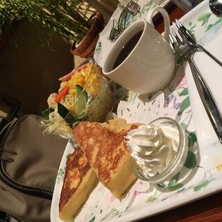 フレンチトースト (ランチセット・サラダ)(CAFE AALIYA (カフェ アリヤ))