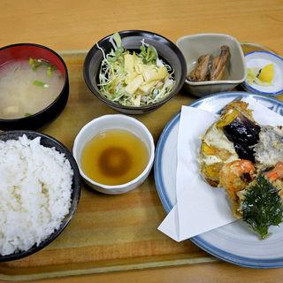 天ぷら盛り合せ定食(小鉄食堂 (コテツショクドウ))