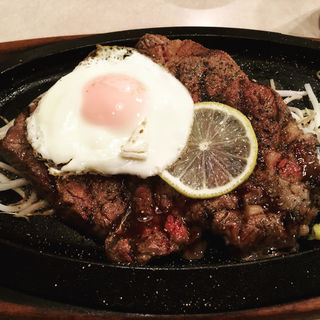 パワフルジャンボステーキ(ライス、サラダ、スープ付)(KYOBASHI KUISHINBO )