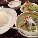 四谷三丁目まで食べに行きたい、本格的な絶品カレー6選