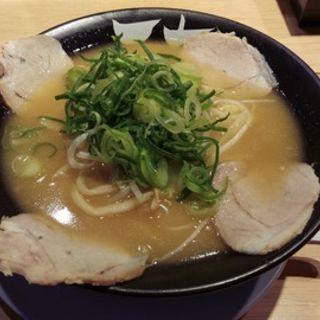 鶏白湯こってりラーメン(天天有)