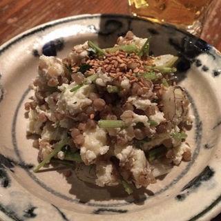 蕎麦米ポテトサラダ(板蕎麦 山灯香 (いたそばさんとうこう))