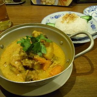 チキンのココナッツカレー(ベトナム料理コムゴン 京都 (キョウト))