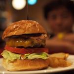 京橋周辺で食べられる絶品ハンバーガーを召し上がれ!