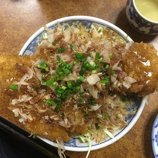 しおかつ丼(とんかつ吉乃家 (よしのや))