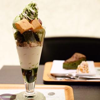 抹茶シフォンとわらび餅パフェ(ナナズグリーンティー 町田東急ツインズ店 (nana's green tea))