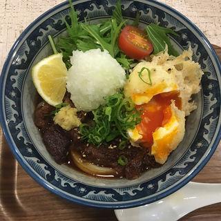 肉おろしぶっかけうどん(牛すじ)+天玉トッピング(太門 (タモン))