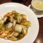 いっぱい野菜ときのこのあんかけごはん(広東炒麺 南国酒家 東京駅店 (カントンチャオメンナンゴクシュカ))