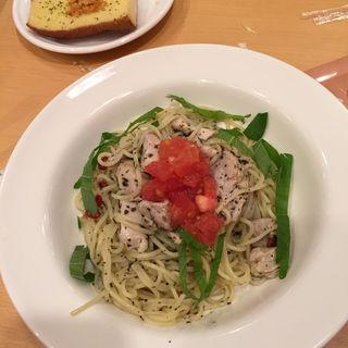 チキン・トマトのバジルペペロンチーノ(ポポラマーマ カナート洛北)