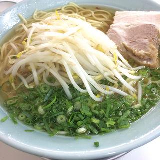 特大ラーメン(鷹 (たか))