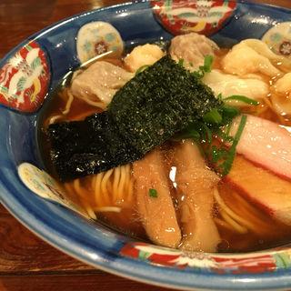 特製ワンタン麺黒だしハーフ(支那そば 八雲 (しなそば やくも))