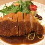 今日のランチー三重県産豚ロースカツレツ パスタ添え(フジヤ (Fujiya))