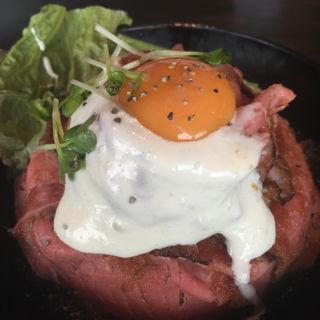 ローストビーフ丼(レッドロック 元町店 )