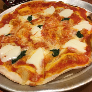 モッツァレラチーズとバジルのピッツァ マルゲリータ(ピッツァ&パスタ イタリア食堂 パパミラノグランデュオ立川店 )