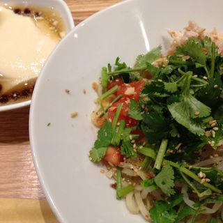 塩鶏香菜乾麺 Aセット(春水堂 横浜ポルタ店)