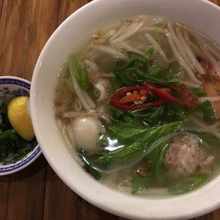 フォーガー〜北部ハノイの鶏肉うどん〜(コムゴン)