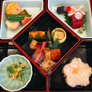 お弁当(かぐら坂 志満金 (かぐらざか・しまきん))