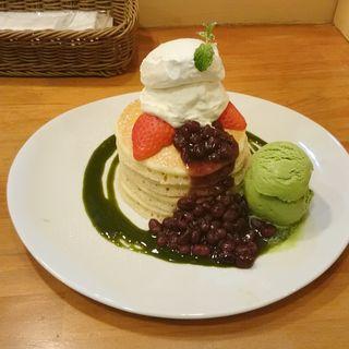 温小豆と塩生クリームのパンケーキ 2017ver.(パンケーキママカフェ VoiVoi (ヴォイヴォイ))