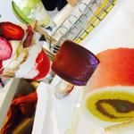 苺パフェとサツマイモのケーキセット