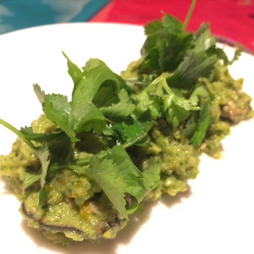 牡蠣のパクチーソース ガラムマサラの新年会② もはやガラムの定番!! パクチー好きには堪らない一品。