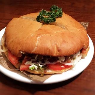 アメリカンジャンボハンバーガー(A&K ビア&フードステーション)