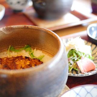 豚トロ角煮の土鍋ごはん(カエデナ)