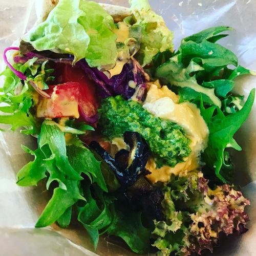 Lunch set : falafel sand (H) & lente soup (s) ビーガンメニュー。豆のペーストが濃厚で、野菜だけなのに大満足でした\(^o^)/