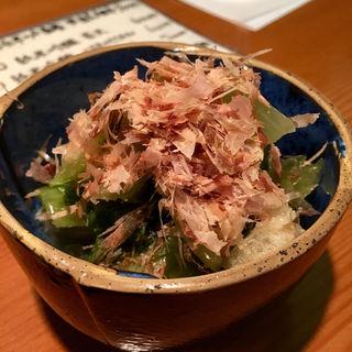 チンゲン菜と南関揚げの煮浸し(日本酒バー 雲レ日)