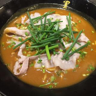 赤いカレー麺 並盛り(かれー麺 実之和 青山店 (かれーめん みのわ))