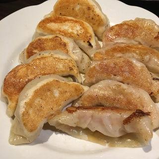 焼き餃子 モチモチ皮(炎麻堂 神田店 (エンマドウ))