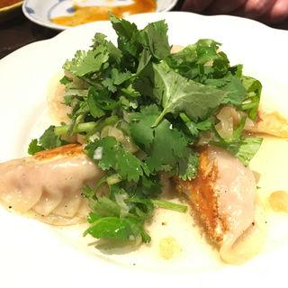 パクチー焼き餃子(炎麻堂 神田店 (エンマドウ))