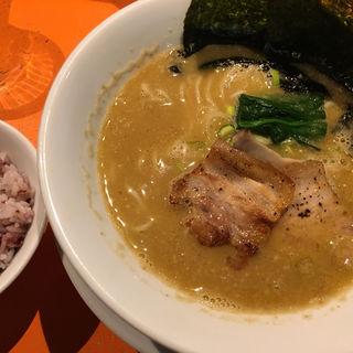 煮干し鶏白湯(麺屋玉ぐすく )