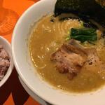 煮干し鶏白湯