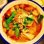 センミートムヤンクン(辛酸っぱいスープ入り細ビーフン)