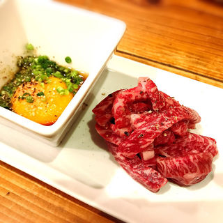 上炙り肉 ユッケたれ付 (焼肉・ホルモン 恵比寿 英司)