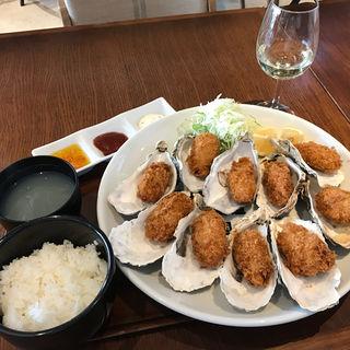 10個のカキフライランチ(Oyster Ocean Area (オイスターオーシャンエリア))
