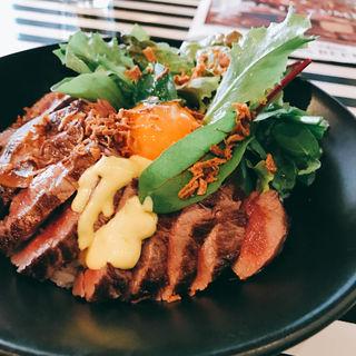 ステーキ丼(ゴッチーズビーフ 池袋西口 (Gottie's BEEF ))