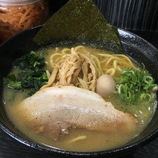醬油豚骨ラーメン(横浜家系ラーメン 八段)